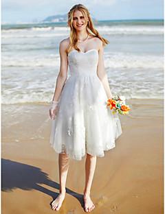 billiga Plusstorlek brudklänningar-A-linje Hjärtformad urringning Knälång Spets / Tyll Bröllopsklänningar tillverkade med Spets av LAN TING BRIDE® / Liten vit klänning
