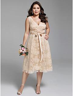 billiga Plusstorlek brudklänningar-A-linje V-hals Telång Spets Bröllopsklänningar tillverkade med Skärp / Band av LAN TING BRIDE® / Brudklänning i färg / Öppen Rygg
