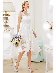 billiga Åtsmitande brudklänningar-Prinsessa V-hals Asymmetrisk Heltäckande spets Bröllopsklänningar tillverkade med Applikationsbroderi av LAN TING BRIDE® / Genomskinliga