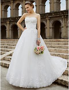 billiga Plusstorlek brudklänningar-Balklänning Axelbandslös Kapellsläp Tyll / Glitterspets Bröllopsklänningar tillverkade med Bård / Rosett(er) av LAN TING BRIDE®