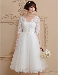 A-line v-neck chá comprimento laço vestido de casamento de tule com pregas por amônia
