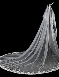 voordelige Bruidssluiers-Tweelaags Moderne Style Bloemenstijl Accessoires Kanten appliqué rand Oversized Bruids Prinses Euramerican Dubbele laag Europees Kant
