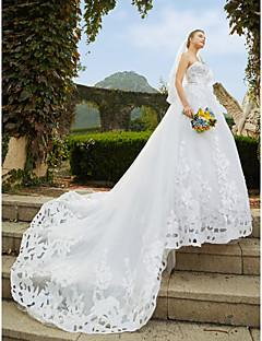 billiga A-linjeformade brudklänningar-A-linje Hjärtformad urringning Katedralsläp Spets / Tyll Bröllopsklänningar tillverkade med Bård / Paljett / Applikationsbroderi av LAN