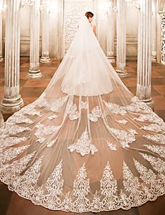 povoljno Vjenčani velovi-One-tier Vjenčani velovi Katedrala Burke s Aplikacije Čipka / Til / Angel cut / Vodopad