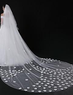 voordelige Bruidssluiers-Tweelaags Moderne Style Bloemenstijl Accessoires Kanten appliqué rand Oversized Bruids Prinses Europees Kant Bruiloft Bruidssluiers