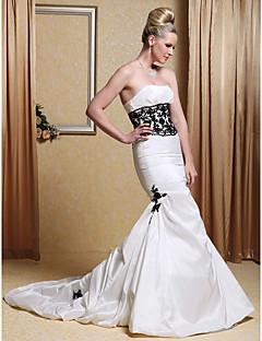Mořská panna Bez ramínek Extra dlouhá vlečka Taft Svatební šaty s Korálky Aplikace Skládané podle LAN TING BRIDE®