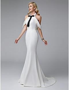 billiga Aftonklänningar-Trumpet / sjöjungfru Halterneck Svepsläp Satäng / Jersey Formell kväll Klänning med Rosett(er) / Pärldetaljer av TS Couture®
