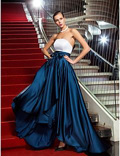 billiga Aftonklänningar-A-linje Axelbandslös Asymmetrisk Satäng Kort och lång / Färgblock Formell kväll Klänning med Rosett(er) / Plisserat av TS Couture®