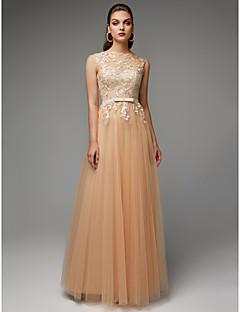 billiga Aftonklänningar-A-linje Prydd med juveler Golvlång Spets / Tyll Glitter och glans Formell kväll Klänning med Bälte / band / Spetsinlägg av TS Couture®