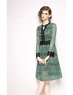 billiga Cocktailklänningar-A-linje Prydd med juveler Knälång Spets Formell kväll Klänning med Spetsinlägg av LAN TING Express