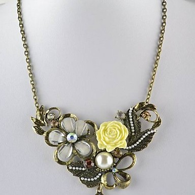 Irregular Acrylic Alloy Necklace With Flowers