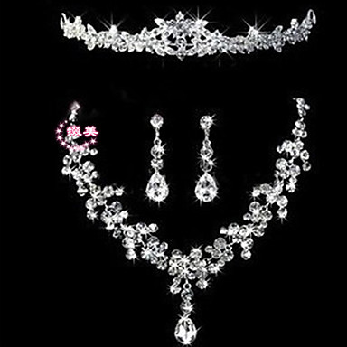 Buy Necklace Pendant Necklaces Jewelry Wedding / Party Casual Alloy Rhinestone Silver 1set Gift