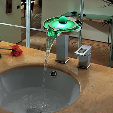 Współczesny Szeroko rozstawiona Wodospad LED Zawór ceramiczny Pojedynczy Uchwyt Dwa Otwory Chrom, Łazienka kran zlew