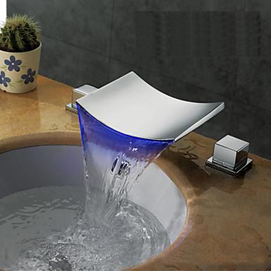 Moderne Art Deco/Retro Udspredt Foss Utbredt LED Keramisk Ventil To Håndtak tre hull Krom, Baderom Sink Tappekran