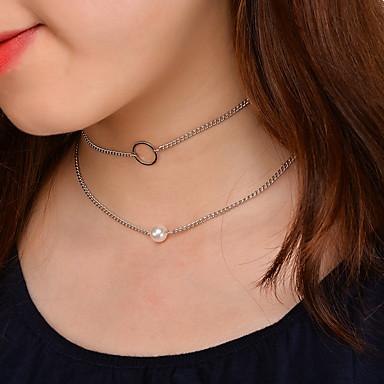 Női Gyöngyutánzat Gyöngyutánzat Rövid nyakláncok - Divat Kör Arany / Ezüst Nyakláncok Kompatibilitás Esküvő / Parti / Születésnap