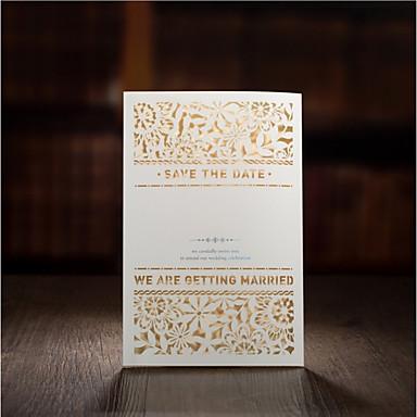 billige Bryllupsinvitasjoner-Port-Fold Bryllupsinvitasjoner 30pcs - Invitasjonskort / Eksempel på indbydelse / Morsdagskort Kunstnerisk Stil / Moderne Stil Mønsterpreget Papir