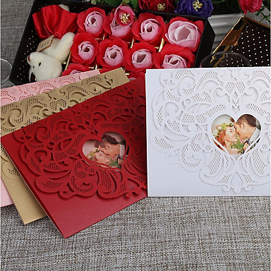 cheap Wedding Invitations-Gate-Fold Wedding Invitations 30pcs - Invitation Cards / Invitation Sample / Mother's Day Cards Vintage Style / Heart Embossed Paper
