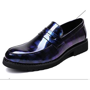 สำหรับผู้ชาย รองเท้าสบาย ๆ Microfibre ฤดูใบไม้ผลิ รองเท้าส้นเตี้ยทำมาจากหนังและรองเท้าสวมแบบไม่มีเชือก สีดำ / แดง / ฟ้า
