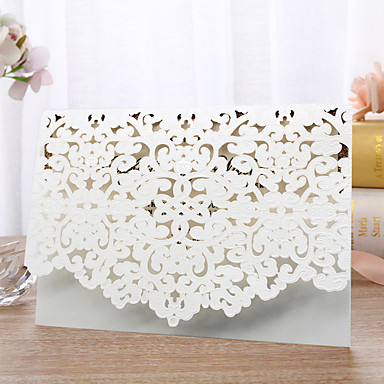 cheap Wedding Invitations-Flat Card Wedding Invitations 30pcs - Invitation Cards / Invitation Sample / Mother's Day Cards Artistic Style / Fairytale Theme / Floral Embossed Paper