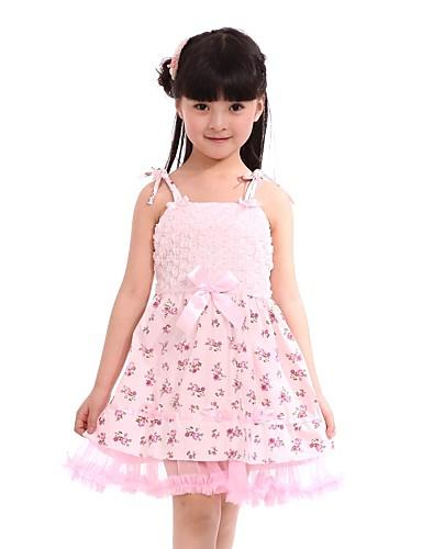 Онлайн квадратных кружевном платье девушки и танец платье с луками