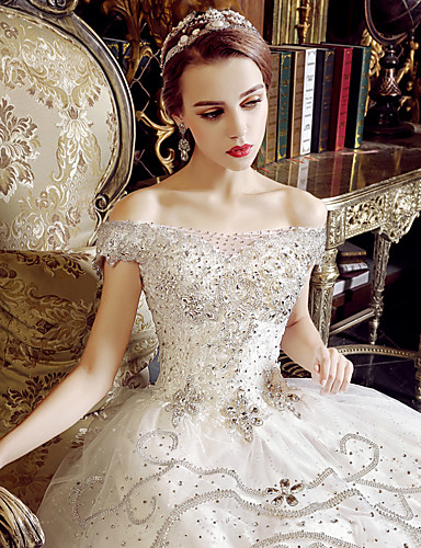 A-Linie Schulterfrei Boden-Länge Tüll Hochzeitskleid mit Kristall Applikationen Rüsche durch Yuanfeishani