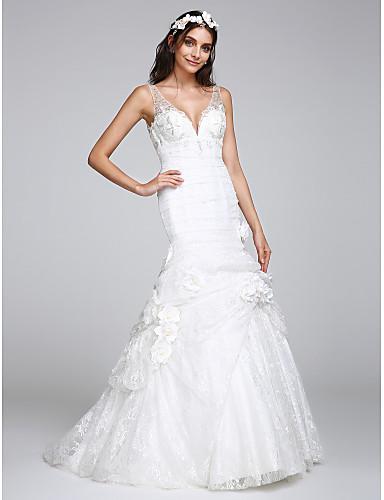 Szűk szabású Nyakkivágás Udvari uszály Csipke Esküvői ruha val vel Csipke Gomb Virág által LAN TING BRIDE®
