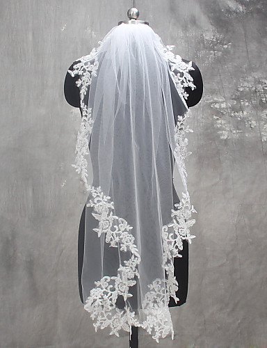 One-tier Lace Applique Edge Wedding Veil Shoulder Veils Fingertip Veils 53 Appliques Lace Tulle