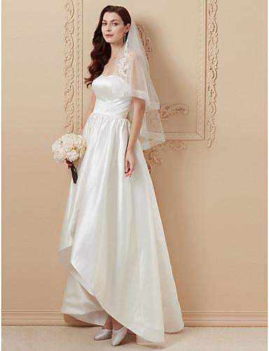 A-vonalú / Hercegnő Pánt nélküli Aszimmetrikus Szatén Made-to-measure esküvői ruhák val vel Cakkos által LAN TING BRIDE® / Open Back