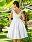 baratos Vestidos de Casamento-Linha A Princesa Decote V Até os Joelhos Tafetá Vestidos de noiva personalizados com Miçangas Cruzado de LAN TING BRIDE®