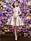 preiswerte Abendkleider-A-Linie Bateau Knie-Länge Spitze / Satin Cocktailparty / Abiball Kleid mit Applikationen / Plissee durch TS Couture®