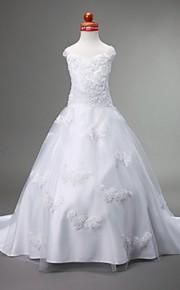 A-vonalú Báli ruha Hercegnő Udvari uszály Virágoslány ruha - Szatén Tüll Ujjatlan Szív-alakú Szíj val vel Rátétek által LAN TING BRIDE®