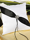 strălucirea pernei inelului de nuntă amurg în ceremonia de nuntă alb-negru