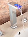 Contemporan Art Deco/Retro Modern Întins Cascadă Împrăștiat LED with  Valvă Ceramică Trei găuri Două mânere trei găuri for  Crom , Baie