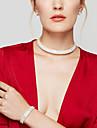 Pentru femei Cristal Set bijuterii - Diamante Artificiale Elastică, Modă, Elegant Include Cercei Stud / Coliere Choker / Bratari de tenis Argintiu Pentru Nuntă / Petrecere / Cadou / Σκουλαρίκια
