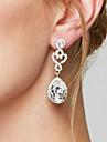 Pentru femei Cercei Picătură Cercei La modă Elegant de Mireasă costum de bijuterii Diamante Artificiale Aliaj Picătură Bijuterii Pentru